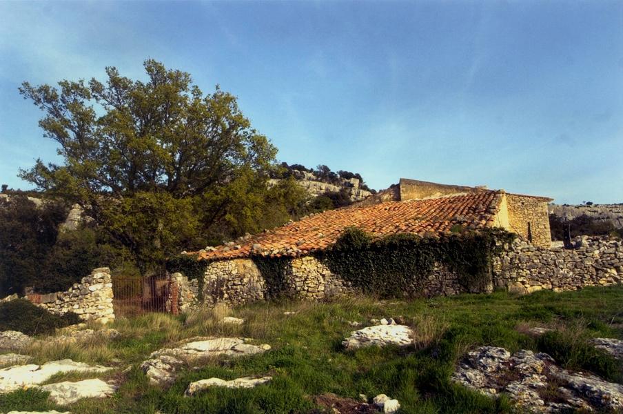 2. Masía cerca de Ares del Maestrat. Autora, Isabel Queral