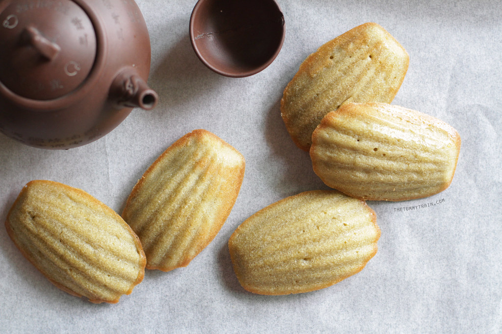 12633302844 1319f6d58a b - My not-so-green Green Tea Madeleines and my blogger blues