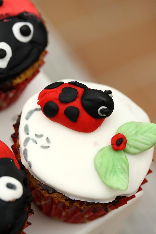 cupcakes pour occuper les enfants les douceurs de la. Black Bedroom Furniture Sets. Home Design Ideas