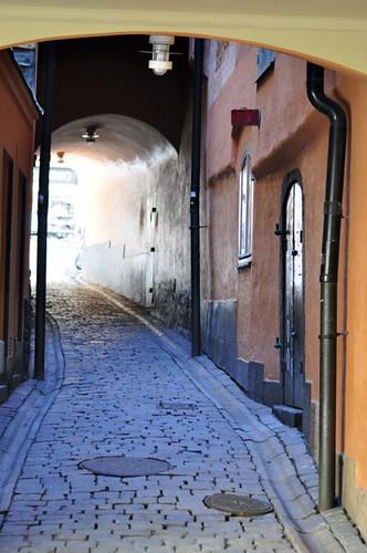 Callejón por Riksbron qué hacer en estocolmo - 14036070618 04d5cda675 - Qué hacer en Estocolmo para sentir Suecia