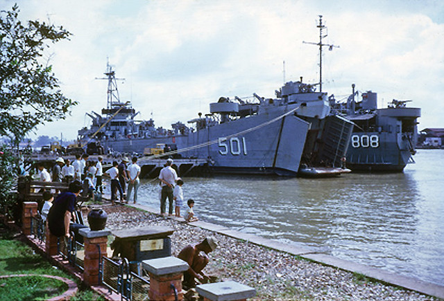 SAIGON 1968-69 - Bến Bạch Đằng