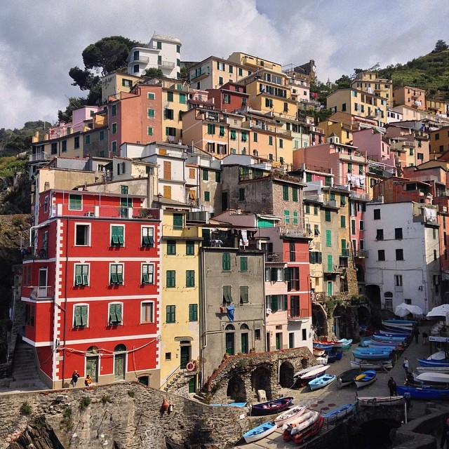 Pretty town of #riomaggiore in #cinqueterre #italia
