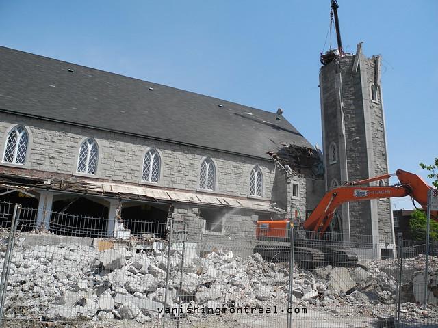 Eglise Notre-Dame-de-la-Paix demolition 2/06/14 01