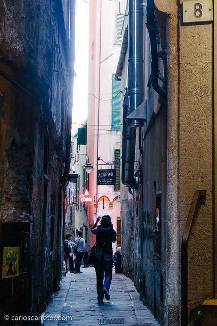 "En los ""caruggi"" del casco histórico de Génova"