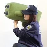 史上最有殺傷力的溫柔鄉~《惡靈古堡》火箭發射器造型抱枕 BIOHAZARD ロケラン型クッション