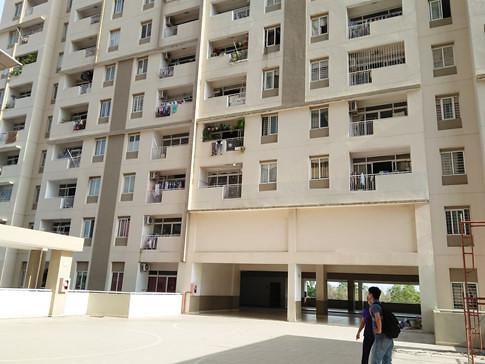 Nhiều hộ khác tại chung cư Bình Khánh cũng lắp lưới an toàn vì nhà có trẻ nhỏ ẢNH: VŨ PHƯỢNG