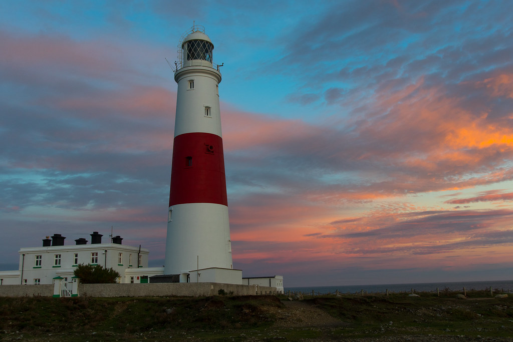 portland lighthouse sun setting - Click to show full size