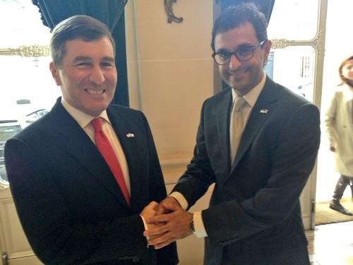 Réunion de travail entre Arash Derambarsh (Courbevoie) avec l'ambassadeur des Etats-Unis d'Amérique Monsieur Charles H. Rivkin by Arash Derambarsh