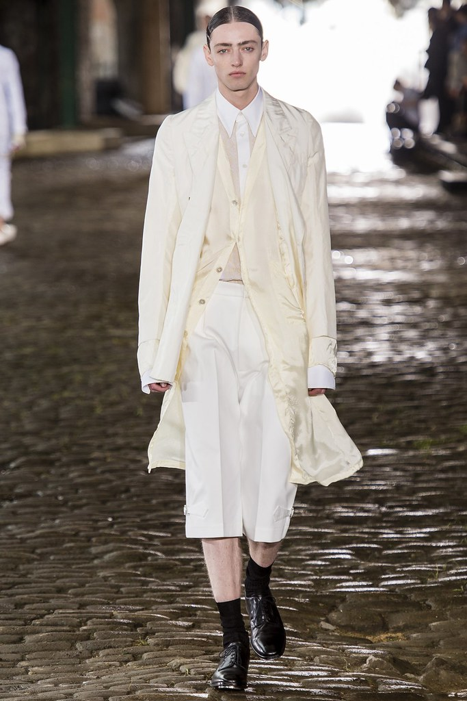 SS14 London Alexander McQueen002_Ben Waters(vogue.co.uk)