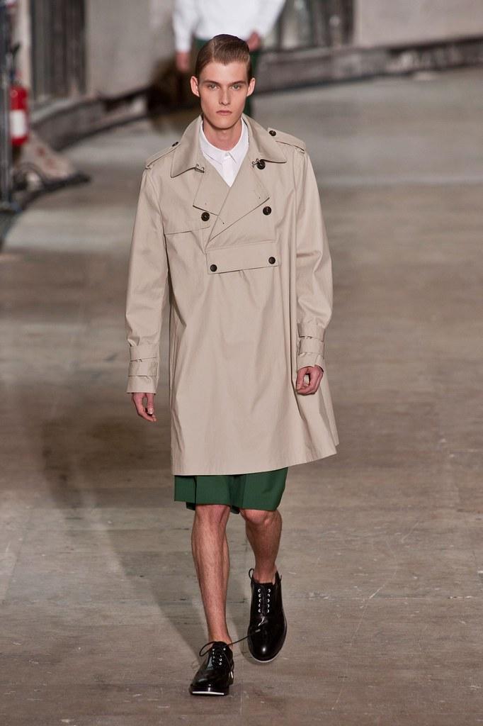 Adam Abraham3038_SS14 Paris Kris Van Assche(fashionising.com)