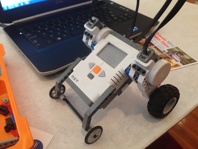 Maker Camp - Introduction to robotics with LEGO Mindstorms