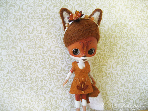 Autumn the little fox girl
