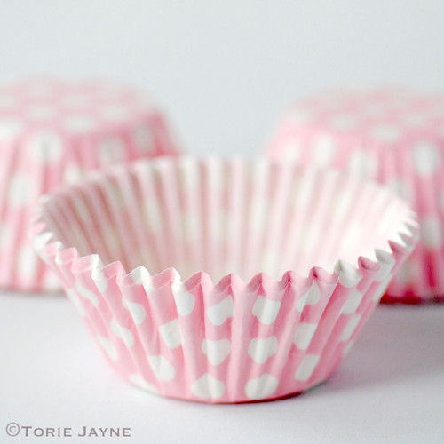 Pale pink & white spot cupcake cases