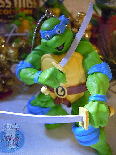 "AMERICAN GREETINGS :: TEENAGE MUTANT NINJA TURTLES - ""Leonardo"" Ornament i (( 2013 ))"