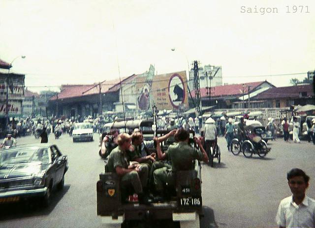 SAIGON 1971 - Góc đường Phạm Hồng Thái - Lê Lai, cạnh Ga xe lửa