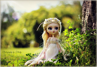 Khaleesi of Game Of Thrones (Pullip Eos Steampunk)