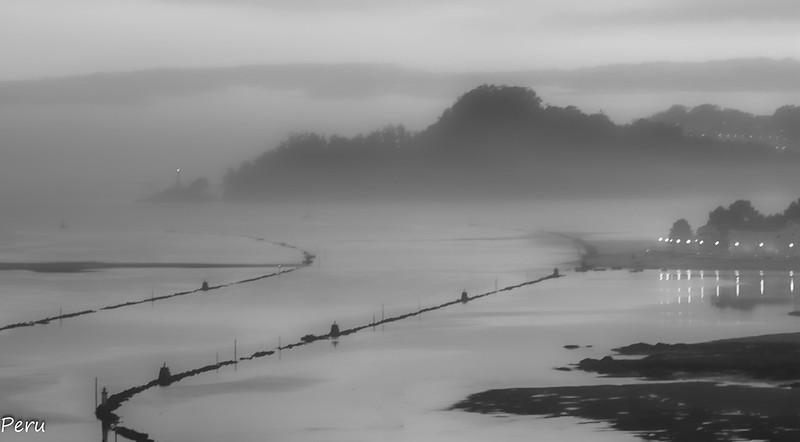 """""""Ría de Pontevedra en blanco y niebla<br />Perurena"""