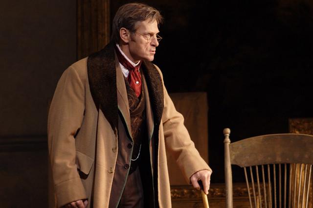 Simon Keenlyside as Giorgio Germont in Richard Eyre's La traviata © Catherine Ashmore/ROH 2011