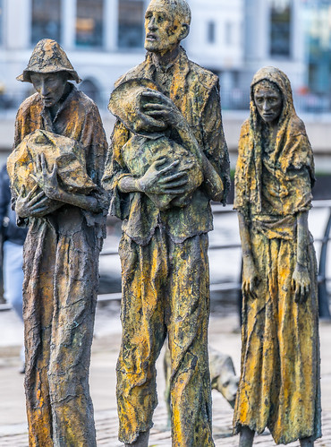 FAMINE MEMORIAL AT CUSTOM HOUSE QUAY IN DUBLIN [ARTIST - ROWAN GILLESPIE]-122170