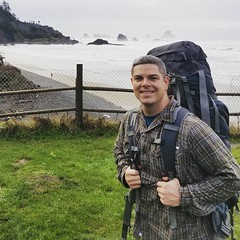 Pro #Cuddler and SurvivalBros.com #blogger Cameron McKirdy backpacking in #Oregon during #winter #cuddlelife
