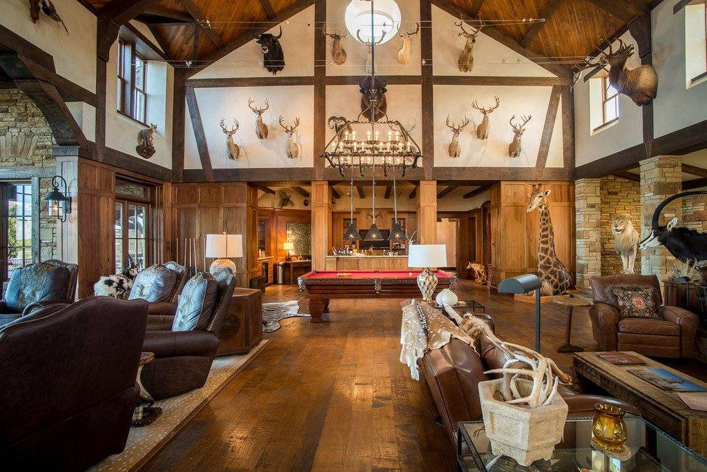 Texas Luxury Hunting Lodge