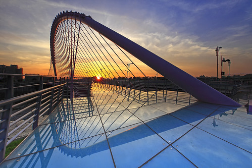 sunset reflection night canon cloudy taiwan 夕陽 getty taichung gettyimages 台中 大坑 loversbridge 倒影 情人橋 5d2 hybai
