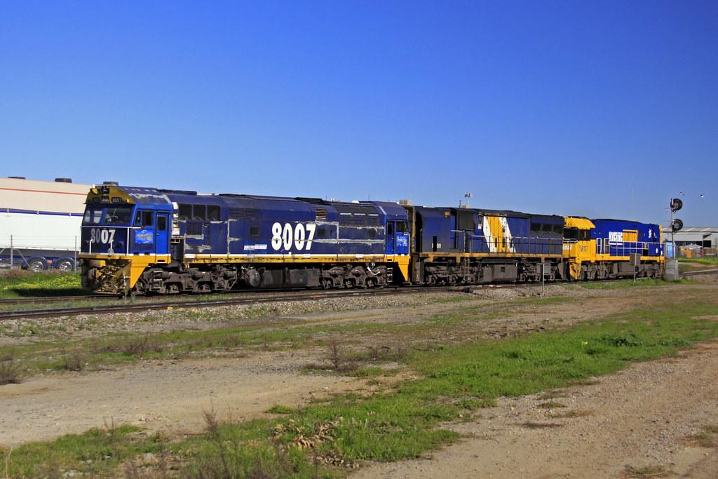 D115s.NR107 XRB561 8007.dryck.03070213 by Tom Marschall