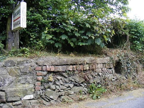 Stondin Laeth, Glancarrog a  Tanparcau, Llanddeiniol