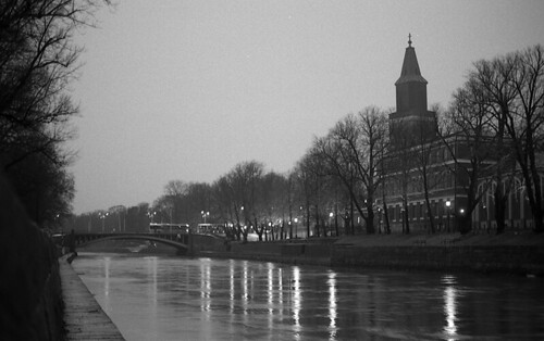 Night at the Turku riverside. | by kmether
