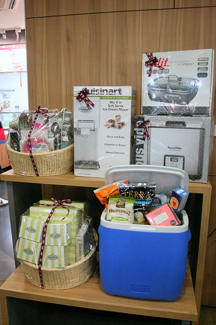 The prizes worth S$3333 from ToTT and S$200 from Jasons