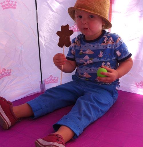 cub in birthday tent