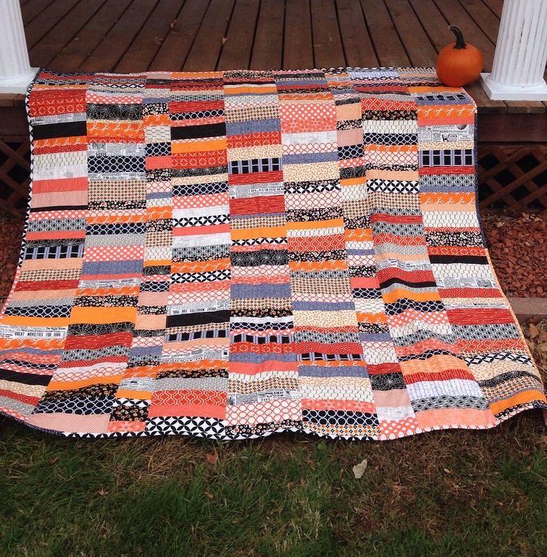 Halloween quilt on porch