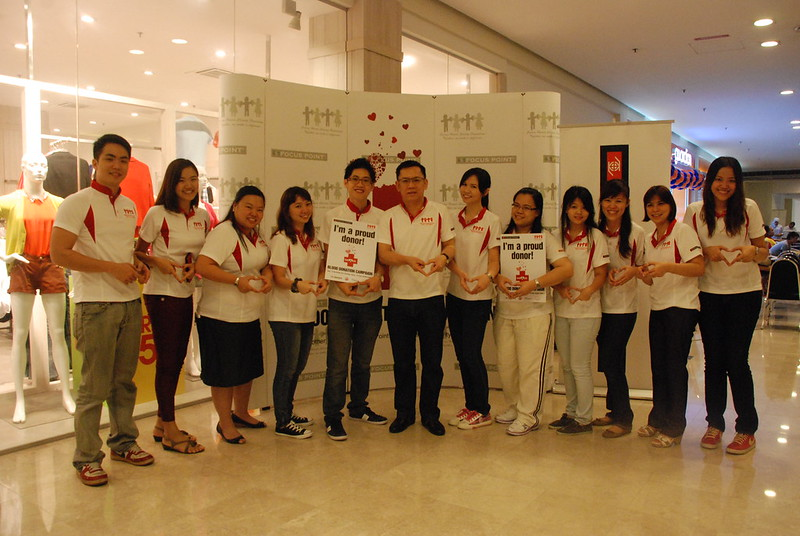 President Dato' Liaw and the CSR Team.jpg