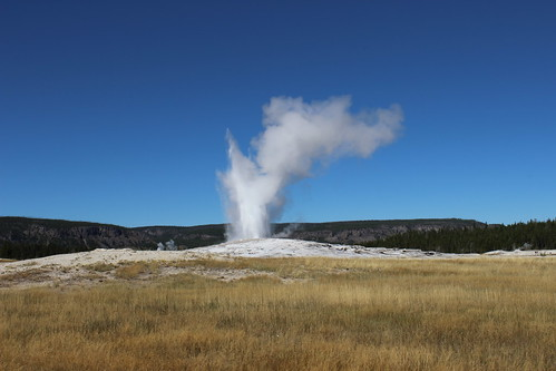 IMG_2044_Old_Faithful_Geyser_Yellowstone_NP