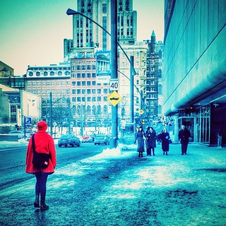 Le petit chaperon rouge et les 4 mercenaires #mtl #montreal #quebec #people #street #urban #chinatown #red #snow #winter
