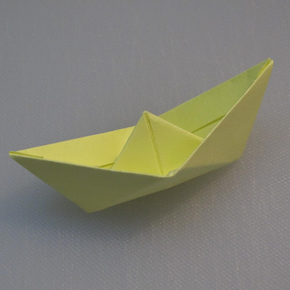 การพับกระดาษเป็นรูปเรือใบ (Origami Boat – 船の折り紙) 013