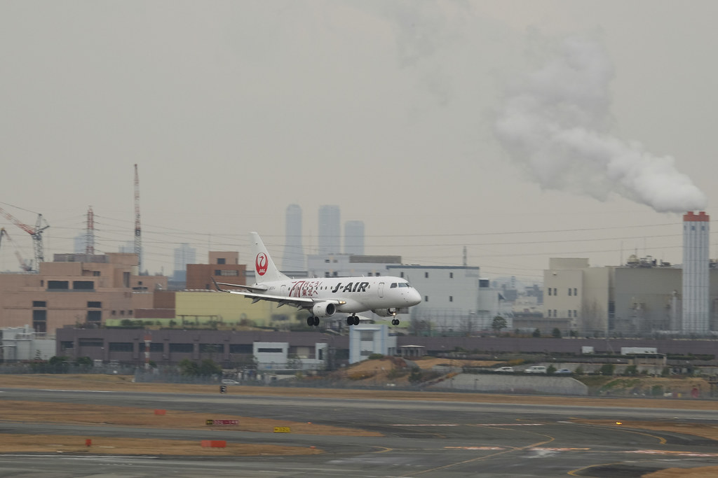"Itami Airport 2013.12.27 (7) JA221J / J-AIR's ERJ-170 painted ""行こう!東北へ"" (Go! to Tohoku)"