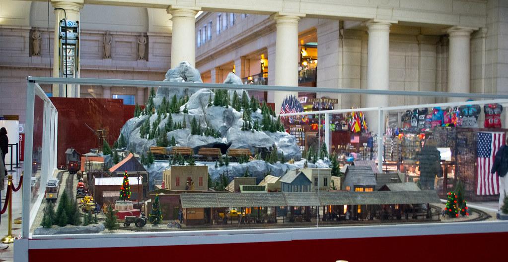 model Christmas train 07 - Union Station - Washington DC - 2013-12-26
