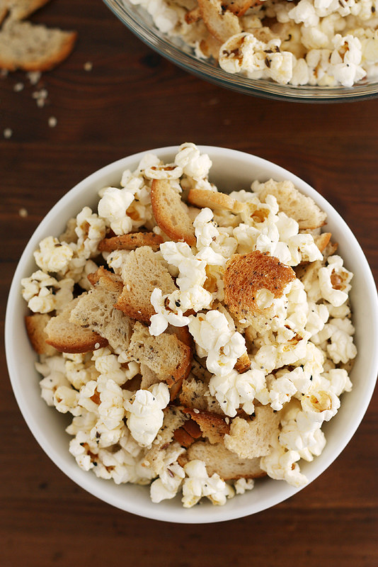 everything bagel popcorn