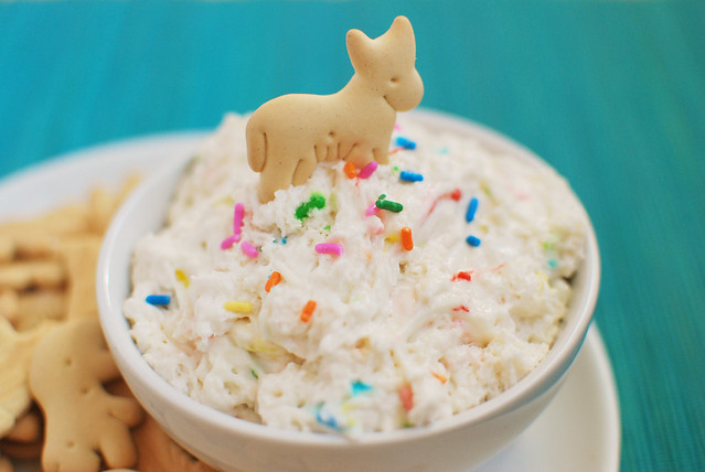 Funfetti Dip - a healthy no-bake treat that takes just like funfett batter! Only 3 ingredients and perfect for dipping fruit, animal crackers, or graham crackers!