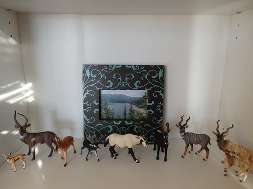 toy antelope figures