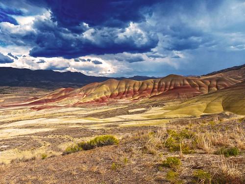red mountains rain oregon day desert paintedhills