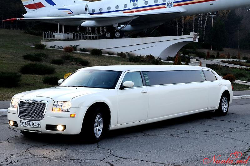 Limuzine în Moldova Chişinău «Prestige Limo» de la 50 euro > Foto din galeria `Chrysler 300c :anul fabricarii 2009,lungimea 10m,pasageri 12`