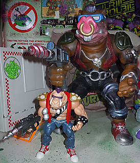 "TEENAGE MUTANT NINJA TURTLES - CLASSIC COLLECTION :: ROCKSTEADY & BEBOP { tOkKustom Punk touch-ups } xxxvii // ..'Bop with '90 ""GIANT SIZE"" BAD BOYS 13""  Bebop (( 2013 ))"