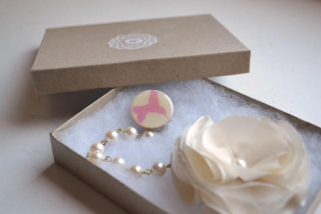 cardiclips packaging pink birdy clip with pearl flower