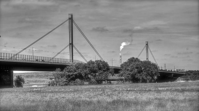 Leverkusener Brücke, Kölner Seite