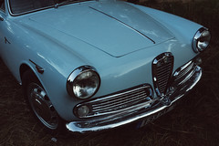 automobile, automotive exterior, vehicle, automotive design, alfa romeo giulietta, antique car, classic car, land vehicle,