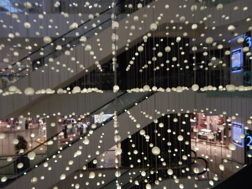 шарики в торговом центре