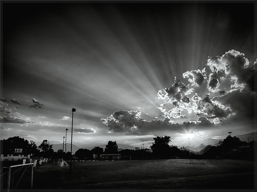 sunset sky bw weather canon all cloudy hellas atmosphere greece sunbeams cloudsandsky ελλάδα canonbw greeksunset dhrama greeksky δραμα canonlandscape canongreece canonatmosphere ατμοσφαιρα alltogethersky greekbw canongreek caonnature canonweather