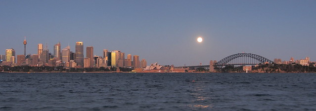 Super Moon over Sydney 13 July 2014